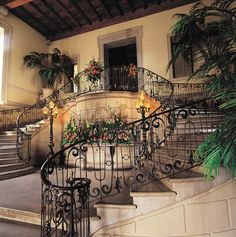 Exclusive and unforgettable, the historic estate offers formal gardens, meticulous service, and elegant surroundings.