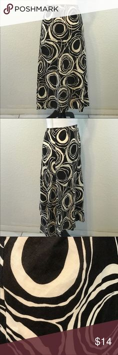 WILLI SMITH Woman's Skirt 100% Linen Career WILLI SMITH Woman's Skirt 100% Linen Career  Brown Ivory Print Elastic Waist size 14  Length 32 inches Waist 32 inches Hip area 32 inches. Willi Smith Skirts Midi