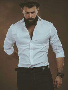 I love his complete look - pants, shirt, hat, hair and beard. Sharp Dressed Man, Well Dressed Men, Hairy Men, Bearded Men, Stylish Men, Men Casual, Estilo Hipster, Hommes Sexy, Dapper Men