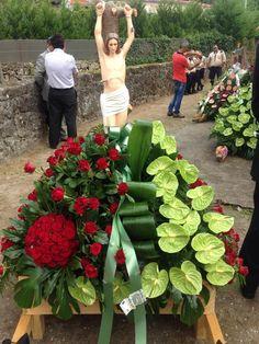 Succulents, Vegetables, Flowers, Plants, Altar Decorations, Church Flower Arrangements, Floral Arrangements, Fiestas, Xmas