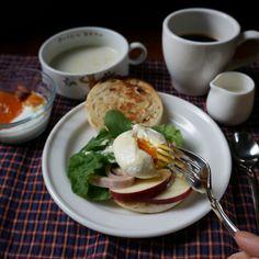 bkf = egg benedict, pumpkin puree soup, mandarin orange and almond yogurt plus coffee