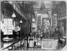 Familie steht bereit zum Neujahrsfestessen, 26. Januar 1906.