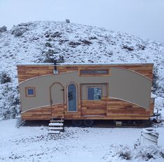 Kevin Copeland's tiny house on wheels with NO loft. A man's house. 1st floor sleeping quarters and sliding exterior door. In Northern Nevada.