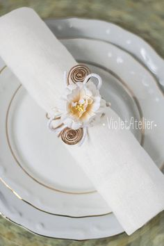 4 Easter Napkin Rings Easter Table Decoration White Flower Napkin Holders, Easter Napkin Wraps, Spring Wedding Table