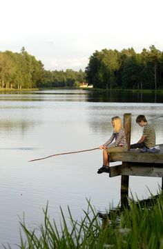 Even if you've been fishing for three hours and haven't gotten anything except poison ivy and sunburn, you're still better off than the worm.  ~Author Unknown* Lake Cottage, Country Living, Country Life, Country Roads, Sweden, Landscaping Ideas, Backyard Landscaping, Lake Side, Auf Dem Land