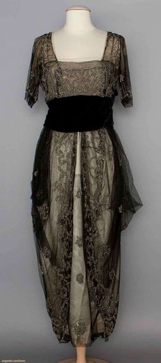 Beaded Evening Gown, 1911-1912, Augusta Auctions, November 12, 2014