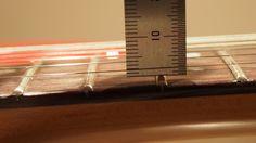 チューニングした状態での1弦側12フレットの様子です。