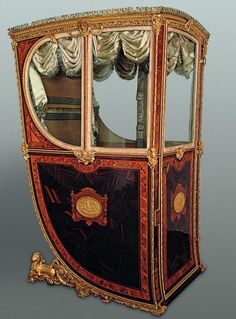 Royal Workshops, Sedan Chair of Queen María Luisa of Parma, Wood, gilded… Antique Chairs, Antique Furniture, Royal Furniture, Parma, Royal Palace, Ways To Travel, Versailles, Old World, 18th Century
