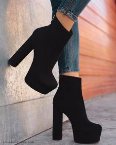 58 Fancy Shoes That Make You Look Fabulous Source by shoes High Shoes, Fancy Shoes, Pretty Shoes, High Heel Boots, Shoe Boots, Boot Heels, Black High Heels, Boots With Heels, Loafer Shoes