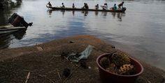 El departamento del Vaupés cuenta con aproximadamente 35.000 habitantes y 27 etnias indígenas. Este es un recorrido por las comunidades Ceima Cachivera y Mituseño, ubicadas en los alrededores de Mitú. Fotos: Luis Lizarazo #Vaupés #Colombia