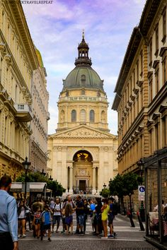 Must-see places in Budapest in an evening (Part 1) – Eat, Click, Travel and Repeat! Budapest, Repeat, Places To See, Paths, Street View, Building, Travel, Viajes, Buildings