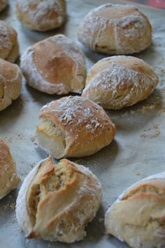 Discover recipes, home ideas, style inspiration and other ideas to try. Food Is Fuel, A Food, Good Food, Food And Drink, Yummy Food, Beignets, Southern Buttermilk Biscuits, Swedish Recipes, Bread Baking