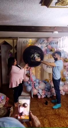 Gender Reveal Balloon Pop, Gender Reveal Video, Pregnancy Gender Reveal, Baby Gender Reveal Party, Baby Shower Balloons, Baby Shower Themes, Baby Boy Shower, Frozen Themed Birthday Party, Gender Reveal Party Decorations
