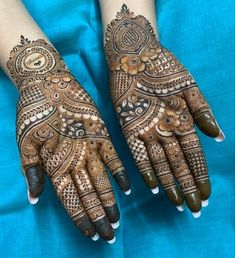 New and unique mehndi designs for the new age brides Khafif Mehndi Design, Latest Bridal Mehndi Designs, Full Hand Mehndi Designs, Henna Art Designs, Mehndi Designs 2018, Stylish Mehndi Designs, Mehndi Designs For Girls, Mehndi Designs For Beginners, Dulhan Mehndi Designs