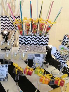 Learn How To Create a Dessert Table for Hanukkah #hanukkahparty
