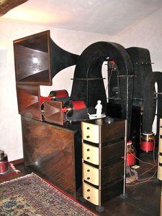 high end audio hi fi anlagen r ume audio audio room. Black Bedroom Furniture Sets. Home Design Ideas