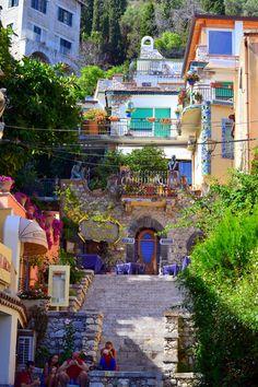International-travel-blog-Sicily  International Travel blog| Visit Taormina, Sicilia  | #Cvetybaby http://cvetybaby.com/taormina/ #sicilia #travel #fblogger #blog #blogger #sicily