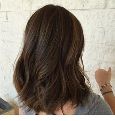 This is what I decided to dye my hair ( I got highlights) Brown Hair Balayage, Brown Blonde Hair, Brunette Hair, Hair Highlights, Dark Hair, Dyed Hair Ombre, Dye My Hair, Medium Hair Styles, Curly Hair Styles