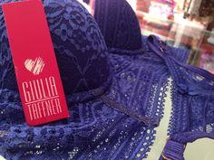 Ninguém resiste a esse conjunto azul royal!! Peça do desfile da Giulia Taffner no Casar Fashion Show!! Foi um sucesso!! #azulroyal #sucesso #perfeito #giuliataffner