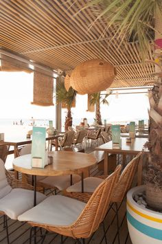 33 Best Ideas For Seafood Restaurante Interior Products Beach Restaurant Design, Luxury Restaurant, Rustic Restaurant, Outdoor Restaurant, Restaurant Concept, Restaurant Interior Design, Seafood Restaurant, Cafe Interior, Best Interior Design