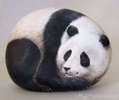 natur sea Rock Painted Giant Panda Fine Art on Rocks by by RobertoRizzoArt Panda Painting, Pebble Painting, Pebble Art, Stone Painting, Painting Art, Paintings, Painted Rock Animals, Hand Painted Rocks, Painted Stones