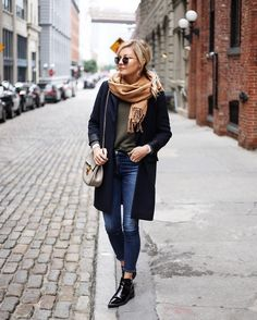Casual warm winter style outfits for women
