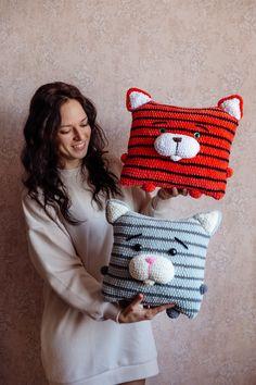 Crochet pattern pillow cat #crochetpillow #crochetcat #crochetkitty #crochettoy