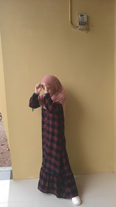 Stylish Hijab, Casual Hijab Outfit, Ootd Hijab, Hijab Chic, Girl Hijab, Hijab Style Tutorial, Muslim Women Fashion, Hijab Fashion Inspiration, Cute Girl Photo