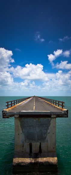Old 7 mile bridge...absolutely no room for error! The only way to get to the mainland (Miami), where we used to take day trip to shop at Dadeland Mall.. the first mall in Miami back in the 60's.