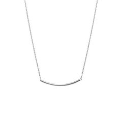 Minim Silver necklace – Silver necklaces. Minim Silver necklace is a minimalist tubullar-shaped necklace made in 925 sterling silver. A sophisticated and simple necklace, great to combine with other minimalist necklaces.