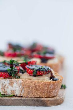 Crostini Vegano.- Sólo se necesitan 5 ingredientes para preparar este riquísimo crostini vegano. Es un entrante muy sencillo que está listo en menos de 10 minutos.