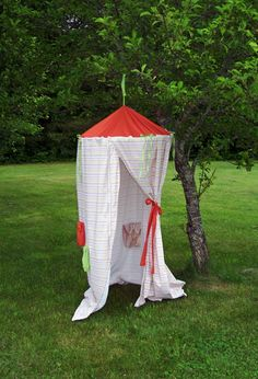 35 Playful and Fun DIY Tents for Kids   Daily source for inspiration and fresh ideas on Architecture, Art and Design Diy For Kids, Cool Kids, Crafts For Kids, Diy Crafts, Hula Hoop Tent, Diy Zelt, Diy Pour Enfants, Do It Yourself Design, Sewing Projects