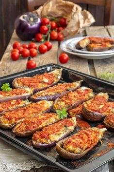 stuffed aubergines in the oven Best Dinner Recipes, Family Meals, Italian Recipes, Sausage, Chicken Recipes, Easy Meals, Food And Drink, Cheese, Vegetables