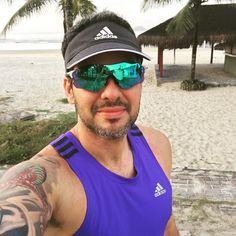 Bom dia!! Partiu corridinha na praia pra tirar a teia de aranha das pernas!! To sem correr desde domingo!  Partiu!!