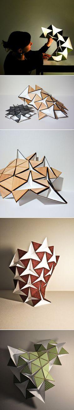 Ce luminaire design dérivé de l'origami a été créé avec du papier, les pliages sont faits de manière à ce que lorsque vous touchez un seul morceau, l'ensemble de la lampe est modifié. De plus, la régulation intuitive de la lumière provient de la qualité du pliage donc l'intensité lumineuse est liée à la forme de la structure.