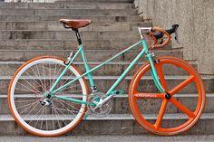 Proyecto de personalización/restauración by Bicicentro Nación Pedal, via Flickr