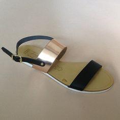 Greek Sandals (Δερμάτινα :: Πέδιλα, Σαγιονάρες, Παντόφλες) @ www.GreekShoes.Net > Κωδικός: 260.503 > Μεγέθη: Νο.35-Νο.41 (τιμή 30€) & Νο.42-Νο.45 (τιμή 40€) > Σόλα: Σφήνα ή Φλάτ   Λευκή ή Μπέζ > Χρώματα: Μαύρο-Χαλκός, Ταμπά-Χρυσό, Λευκό-Χρυσό Greek Sandals, Shoes, Fashion, Moda, Zapatos, Shoes Outlet, Fashion Styles, Shoe, Footwear