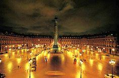 La place Vendome Paris la nuit