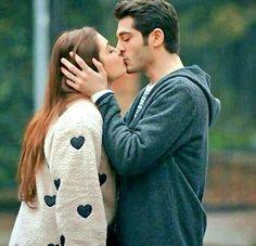 ♥Aғѕнд✔ уσυ ωαѕ ℓук ℓιѕтєиιиg тσ α ѕσиg fσя тнє fιяѕт тум αи∂ киσωιиg ιт ωσυℓ∂ вє му fανσυяιтє. we miss uh yr. Hot Kiss Couple, Love Couple, Best Couple, Couple Shoot, Couple Goals, Beautiful Couple, Romantic Kiss Gif, Romantic Couples, Cute Couples