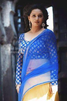 Cute Girl Photo, Girl Photo Poses, Girl Photos, South Indian Actress, Beautiful Indian Actress, Saree Photoshoot, Indian Beauty Saree, Indian Sarees, Cute Beauty