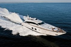 Pershing-108-yacht-08