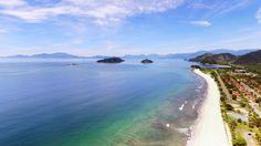 Para quem goste de surfar, a praia de Mambucaba de Paraty é uma boa opção (Foto: Rafael Marcatto)