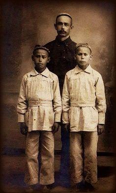 Tatars. Бекбулатов Вали Алиевич с сыновьями Исхаком и Анваром