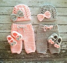 Twin Photography Prop Set in Pale Pink and Gray- Crochet Baby Pants in 3 Sizes- MADE TO ORDER Your little ones will look adorable this set! The bottoms, shoes and hats are made from super soft acrylic yarn. Crochet Baby Pants, Crochet Girls, Crochet Clothes, Free Crochet, Knit Crochet, Crochet Hats, Newborn Crochet, Crochet Beanie, Baby Knitting Patterns