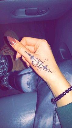 Tattoo frau oberarm innenseite