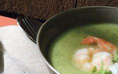 Crema di zucchine e gamberi - La crema di zucchine e gamberi è un piatto davvero buonissimo, lo potete servire come primo piatto se avete in mente un pranzo o una cena particolarmente chic e raffinati, provatela anche voi.