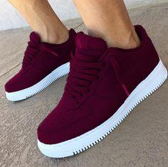 Maroon9  😎👌  Z0Fux.com / #Z0Fux Sneakers Street Style, Nike Street Style, Shoes Sneakers, Shoes Trainers Nike, Sneakers Fashion, Nike Air Shoes, Fashion Shoes, Purple Sneakers, Air Force Sneakers