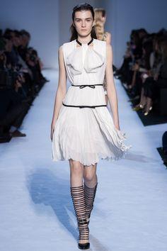 http://www.vogue.com/fashion-shows/fall-2016-ready-to-wear/giambattista-valli/slideshow/collection