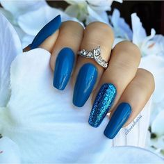 Nails Done #unhasdasemana I used Brisk Blue (430) by Sally Hansen insta-dry collection, Glitter is Blue flash by Milani {7.31.15}