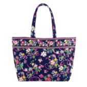 I love this bag! Whenever you buy it from verabradley.com you donate to breast cancer! #verabradley #ribbons